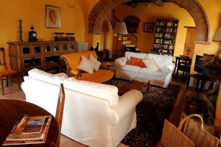 rent a villa tuscany