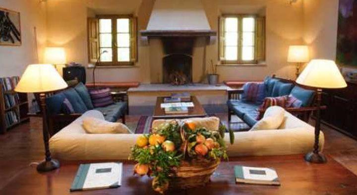 villa stays in tuscany