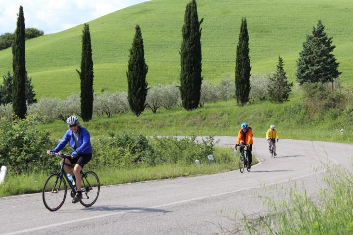bike ridingf Tuscany