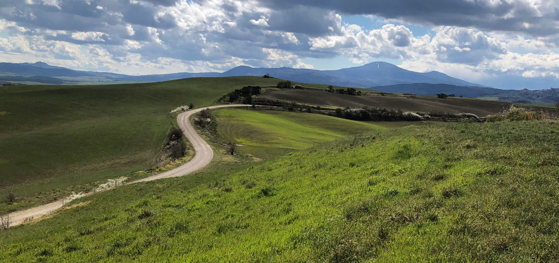 orcia marzo stradebinahce Why start bike tour in Pienza?