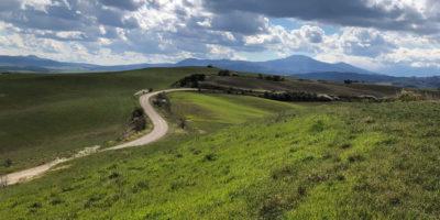 orcia marzo stradebinahce Why start bike tour in Pienza?