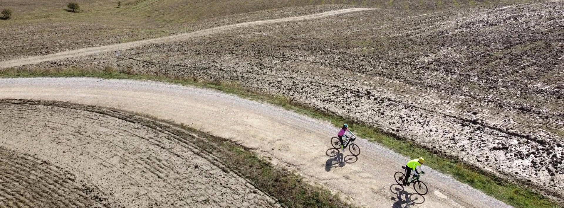 cycling cosona e1621340212684 Cycling & Yoga  in Tuscany